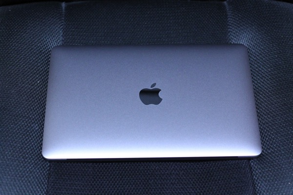 MacBook13