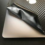 Macに貼ったwraplusのスキンシールを剥がすことに成功!糊のベトベトは一切残らず!