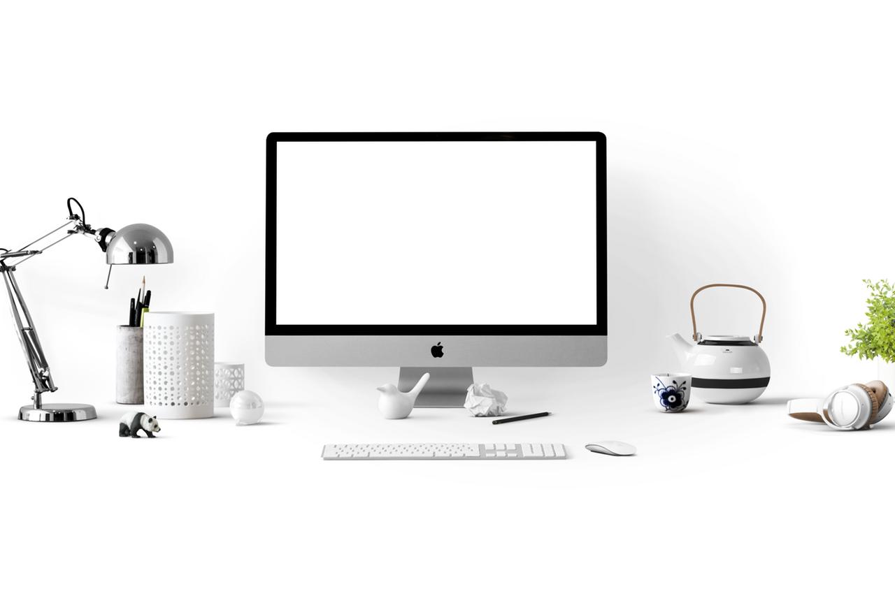 iMacがあるテーブル