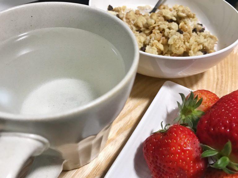 白湯のある朝食
